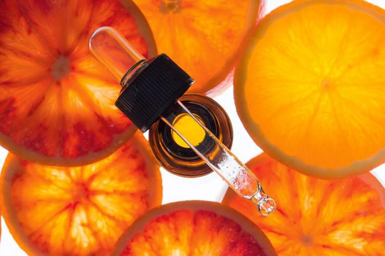 Косметика с кислотами: кому нужна и как применять?