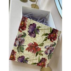 Коробка подарочная 20 см * 20 см пионы p